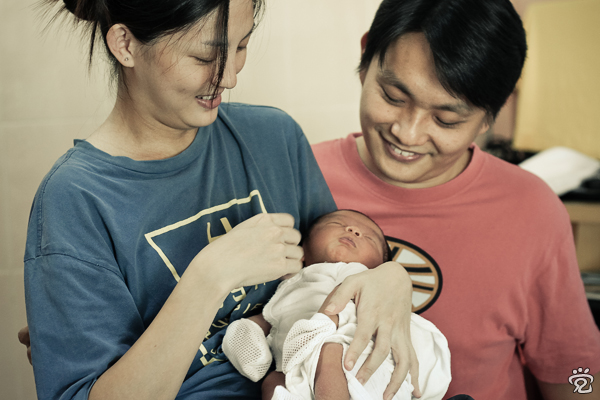 the Ling's family: Cynthia, little Chern, and Mark