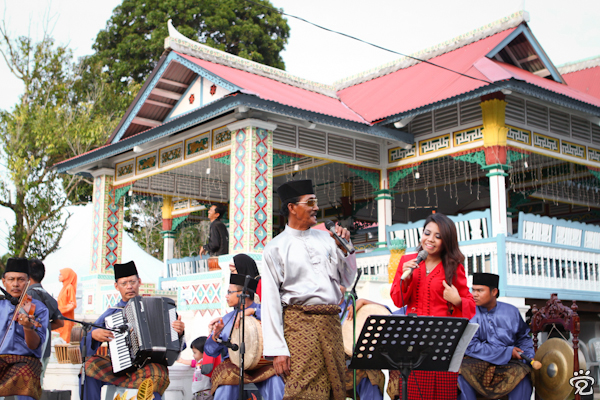 duet (traditional Malay performance)