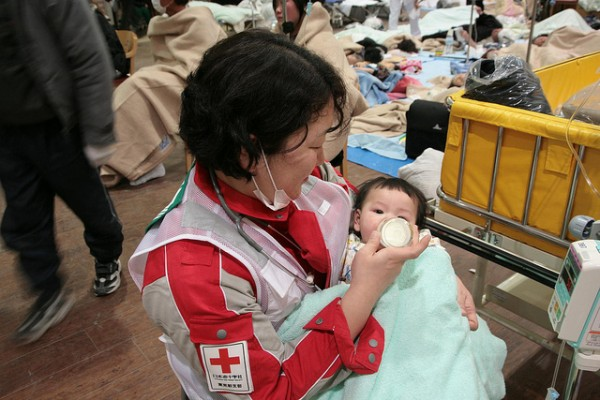 For some of the youngest patients, who may be particularly vulnerable, special care must be provided, however warm skin and a kind voice, together with a watchful eye can go a long way to ensure a speedy recovery. (Photograph: Toshirharu Kato, Japanese Red Cross)