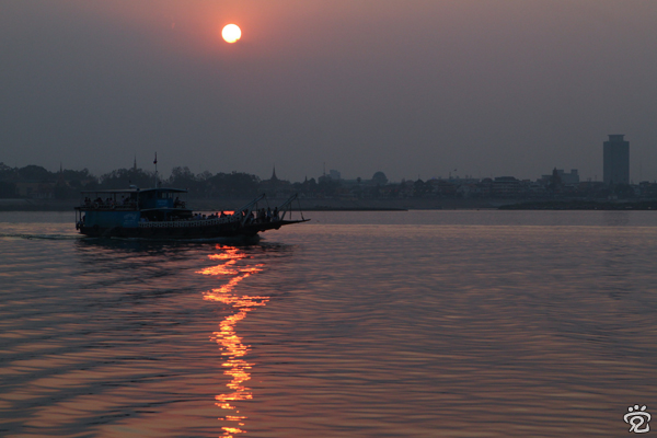 sunset of Mekong River