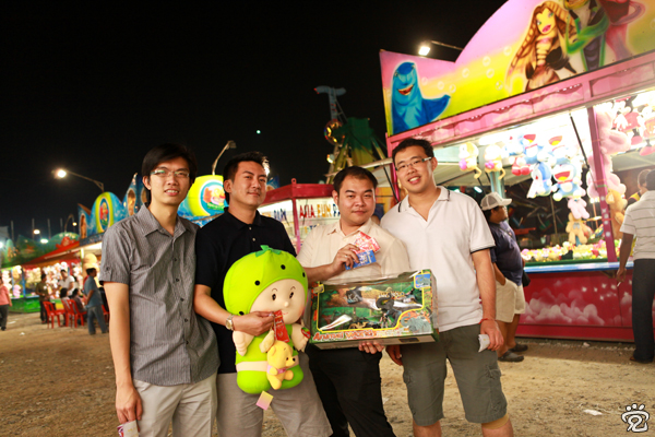 group photo at the funfair, from left: Wee-Peng, Stephen Tang, Henry Lee and Koh-Yiaw