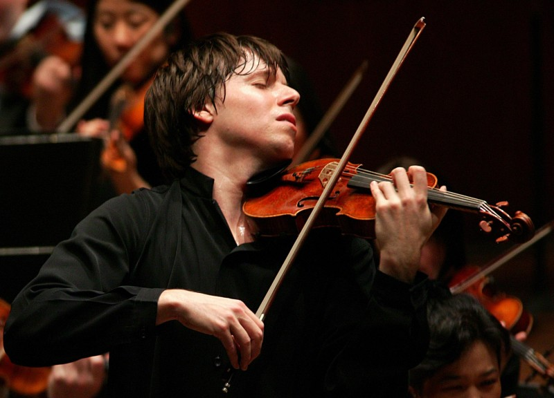 Joshua Bell (photo by Chris Lee)