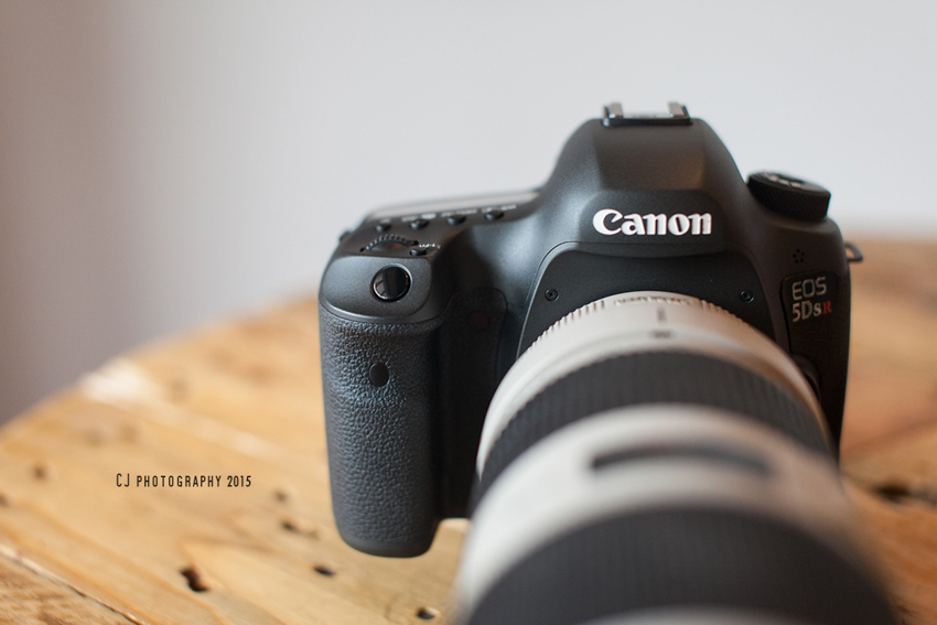 Canon EOS 5DS R's front view