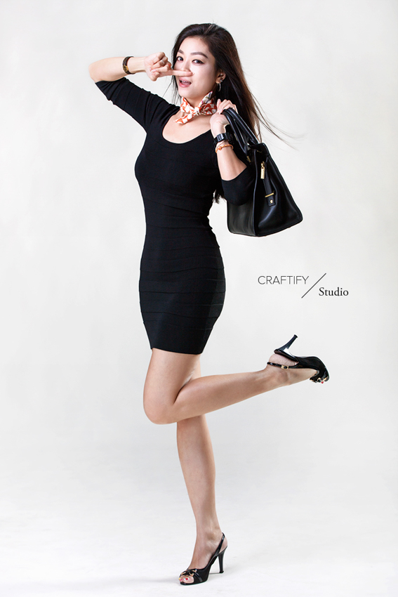 Vna in shopping mode (shot with Canon EOS 5DS R and Canon EF 70-200mm f/2.8L IS II USM at Craftify Studio)