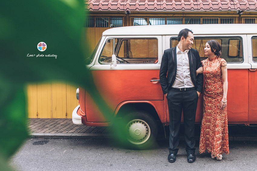 Couple with Kombi near Orangutan House Melaka