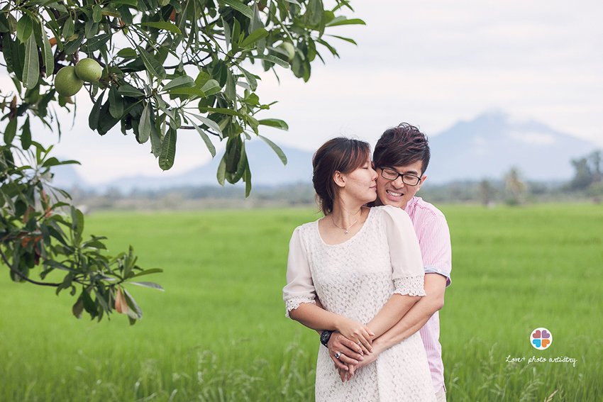 A casual prewedding session with Ban Kim & Pei Ling where Gunung Ledang sighted